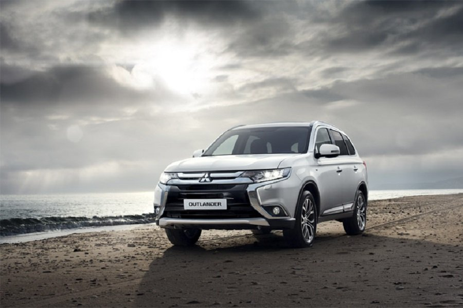 MITSUBISHI OUTLANDER - Gracia Autos